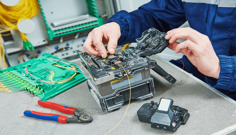 How To Hire The Best Optic Fiber Repairs Professionals?